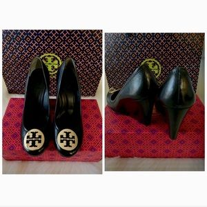 Tory Burch Sophie Wedge Mestico Leather Mettalogo